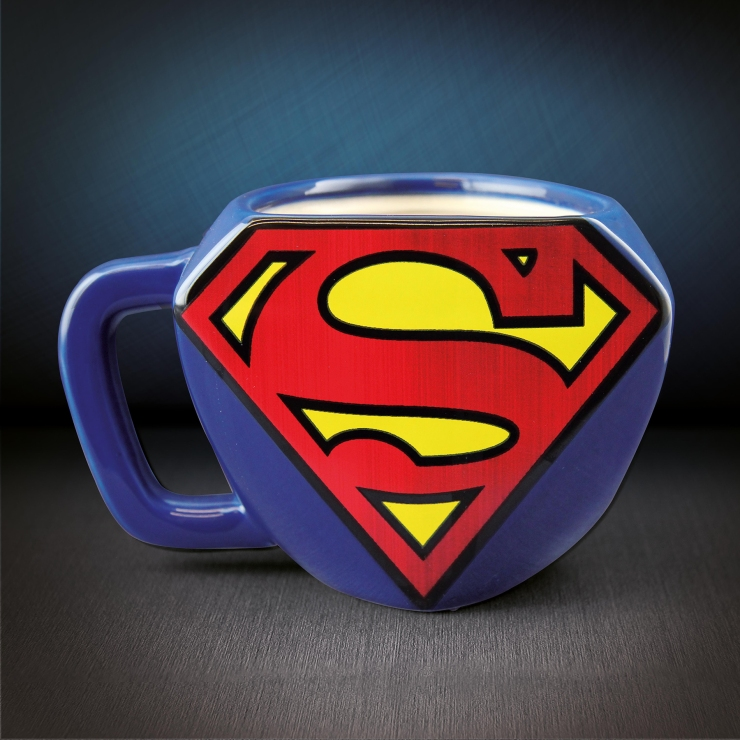 pal527_Superman_Shaped_Mug_FC_1800